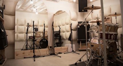充実機材の音楽スタジオ丨リハーサルの画像